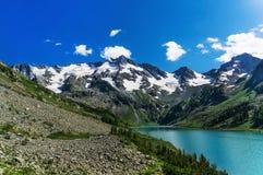 Озеро гор, Россия, Сибирь, Стоковая Фотография