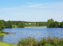 озеро деревенских домов свободного полета Стоковая Фотография
