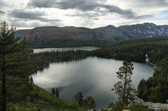 Озеро Джордж и озеро Mary в мамонтовых озерах Стоковая Фотография