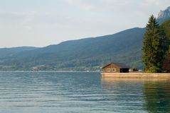 озеро дома Стоковые Фотографии RF