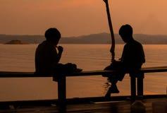 Озеро 2 детей Стоковые Фотографии RF