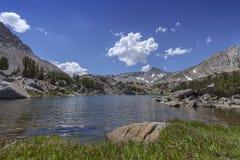 Озеро лет Сьерры стоковые фотографии rf