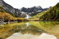 Озеро жемчуг в национальном заповеднике Yading Стоковые Изображения RF
