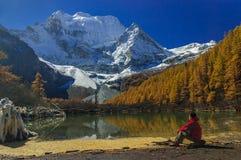Озеро жемчуг на заповеднике Yading Стоковые Фотографии RF