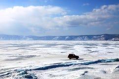озеро замерли baikal, котор Стоковое Изображение RF