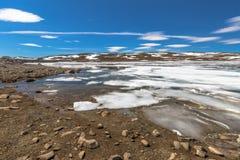 Озеро замерли Норвегией, который Стоковое фото RF