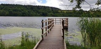 Озеро замка лести стоковая фотография rf