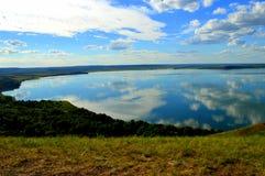 Озеро зеркал Aslykul стоковые изображения rf