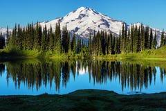 Озеро изображени стоковые изображения rf
