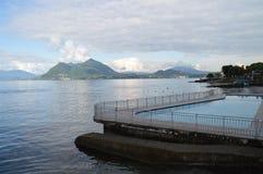 Озеро и бассейн взгляд Стоковая Фотография