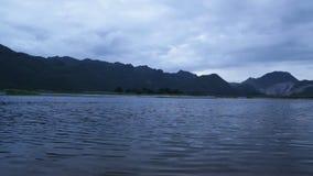 Озеро и гора видеоматериал