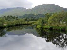Озеро и держатель, природа glennfinnian стоковая фотография
