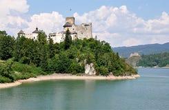 Озеро и замок Niedzica, Польша, Европа Стоковое Изображение