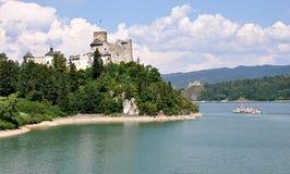 Озеро и замок Niedzica, Польша, Европа Стоковое Фото
