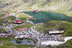 Озеро и курорт гор Стоковые Изображения RF