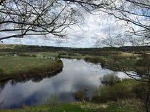 Озеро и река в деревне Стоковое фото RF
