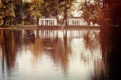 Озеро и руины Стоковое фото RF