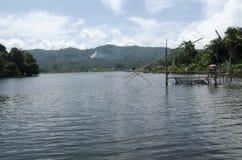 Озеро и традиционная рыбная ловля Стоковые Изображения RF