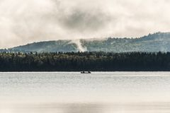 Озеро Канад Онтарио 2 каное каное рек дальше около воды в национальном парке Algonquin Стоковое Изображение RF