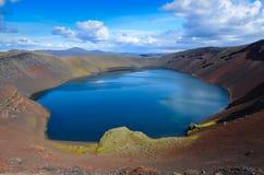 Озеро кратера кальдеры вулкана, Исландия Стоковые Фото