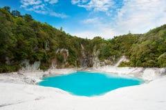 Озеро кратер ада стоковое фото
