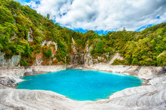 Озеро кратер ада стоковые изображения rf