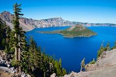 Озеро кратер стоковые фотографии rf