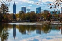 Озеро Клара Meer и центр города Атланта, США Стоковое Изображение RF