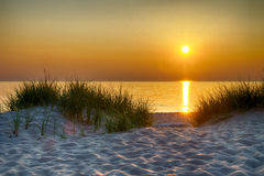 озеро Мичиган над заходом солнца Стоковые Изображения RF