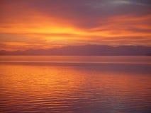 озеро над восходом солнца yellowstone Стоковое Изображение RF