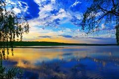 озеро над заходом солнца Стоковая Фотография RF