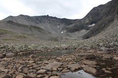 Озеро на верхней части горы Около Trollstigen, Норвегия Стоковые Фото