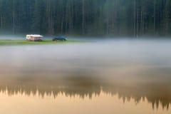 Озеро на восходе солнца Стоковые Фотографии RF