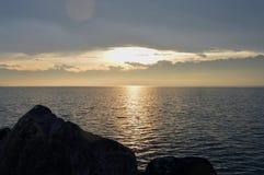 озеро над восходом солнца ландшафт гористый Стоковое Изображение RF