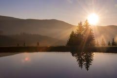 Озеро на заходе солнца Стоковое Изображение RF