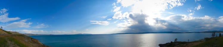 Озеро на национальном парке Йеллоустона Стоковое Изображение RF
