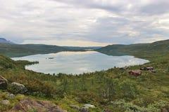 Озеро на плато гор Hardanger, Норвегия, Европа Стоковые Фото