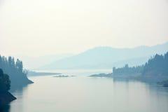 Озеро на рано утром Стоковые Фотографии RF