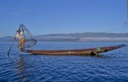 Озеро 5-ое ноября 2014 Мьянм Inle Рыболовы Стоковое Изображение RF