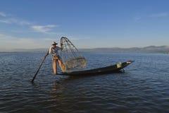 Озеро 5-ое ноября 2014 Мьянм Inle Рыболовы Стоковое Изображение