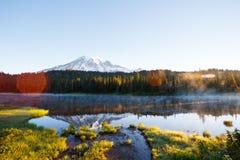 Озеро отражени Стоковые Изображения RF