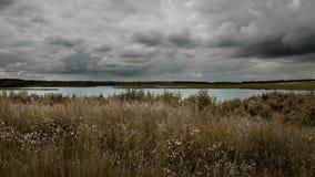 Озеро перед штормом стоковые изображения