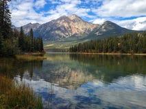 Озеро пирамидк Стоковые Изображения