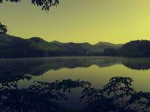 Озеро поднимая церков Стоковое Изображение RF