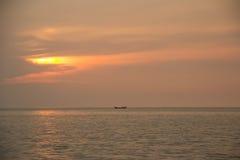 озеро рыболова вечера свободного полета Стоковые Фотографии RF