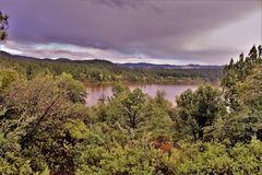 Озеро рыс, район ренджера Bradshaw, национальный лес Prescott, положение Аризоны, Соединенных Штатов стоковое фото