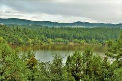 Озеро рыс, район ренджера Bradshaw, национальный лес Prescott, положение Аризоны, Соединенных Штатов стоковая фотография rf