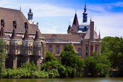 озеро рыцаря замока романтичное Стоковая Фотография