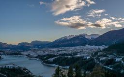 Озеро Санта Giustina, альт Адидже Trentino, Италия, landsdcape зимы озера стоковое фото