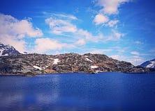 Озеро Сан Бернардино гор в Швейцарии Стоковое Изображение RF